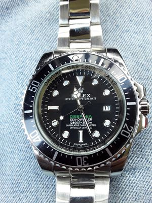 Mans watch very nice new. Stainless divers watch for Sale in San Antonio, TX