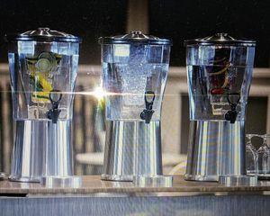 3 gallon stainless steel beverage dispenser for Sale in Orlando, FL