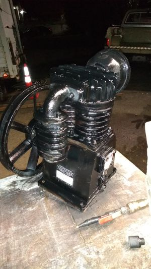 Central pneumatic compressor pump for Sale in Lakewood, WA
