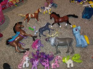 LOT OF 13 Horse pony Barbie toys for Sale in Sedro-Woolley, WA