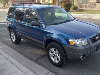 2007 FORD ESCAPE XLT 4X4 CLEAN TITLE V6 3.0L for Sale in Avondale,  AZ