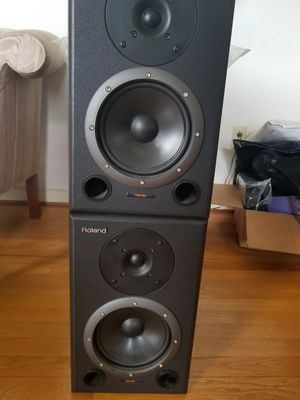 Roland RSM-90 Speakers for Sale in Long Island, VA