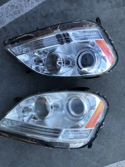 2006-2009 ML500, ML 350 Headlights for Sale in Charlotte,  NC