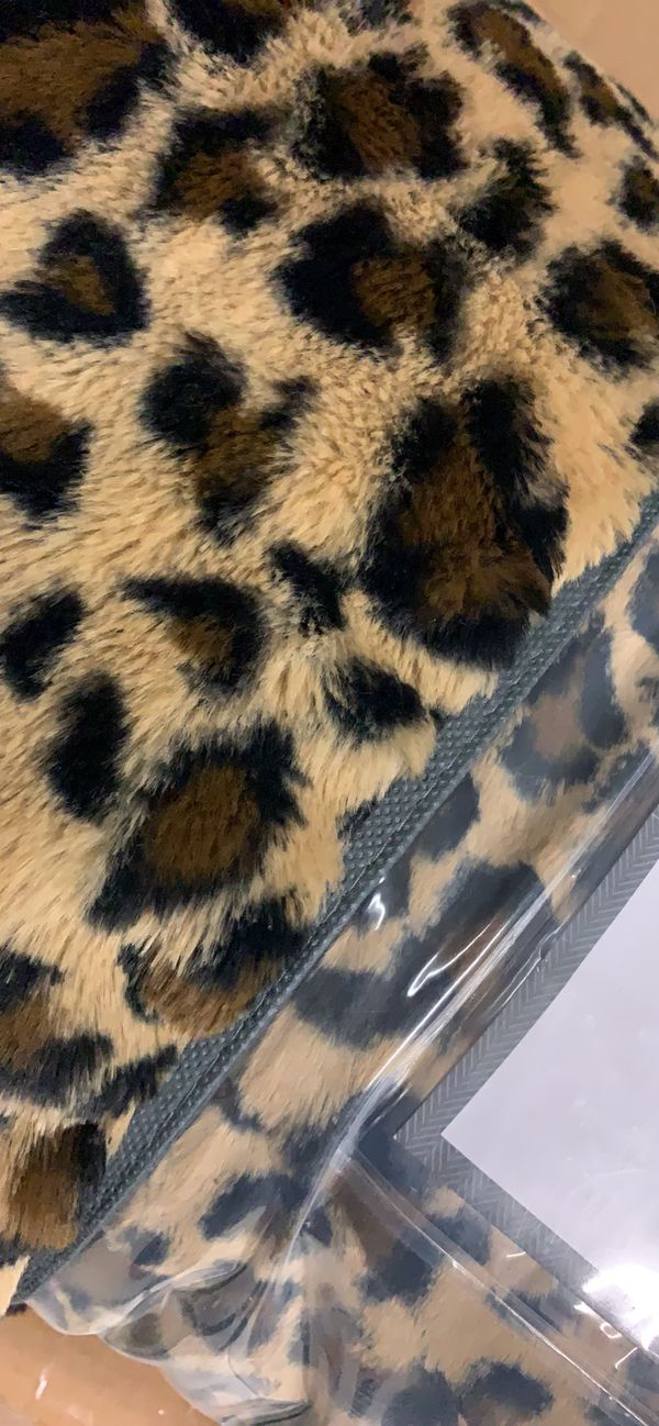 New Faux fur 15 lb weighted blanket