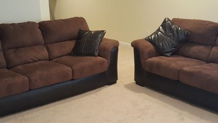Chacolate Sofa and Loveseat for Sale in Pittsburgh,  PA