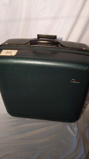 Samsonite Hard Sided Suitcase for Sale in Fairfield, OH
