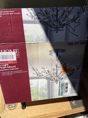 Chandelier light new for Sale in Las Vegas, NV