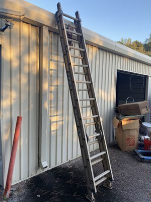 20ft Werner extension ladder for Sale in Flowery Branch, GA