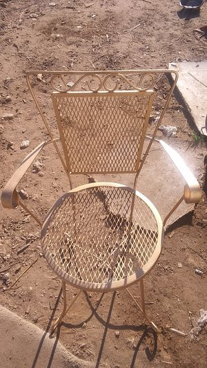 Antique metal chair for Sale in San Angelo, TX