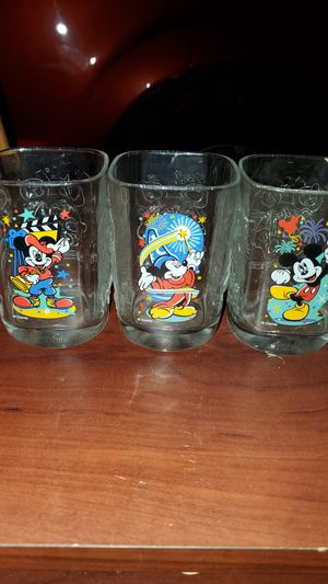 Disney collectable 2000 McDonalds clear drinking glasses for Sale in Roebuck, SC