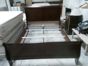 New queen sleigh bed frame for Sale in El Paso, TX