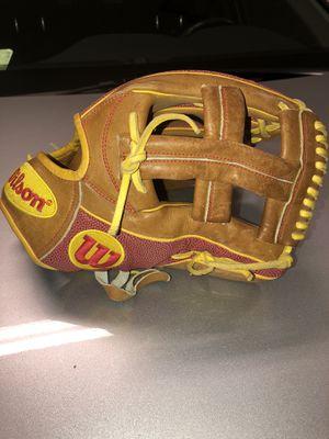 Baseball Glove Wilson A 2000. $130 for Sale in Jurupa Valley, CA