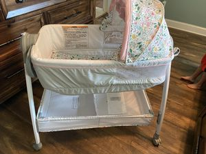 Baby bassinet for Sale in New Bern, NC
