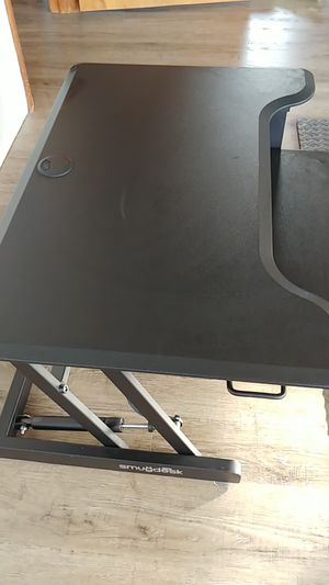 Sit to stand computer desk top for Sale in Grayland, WA