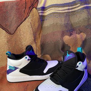 Jordan Fadeaway Black/White/Concord NEW for Sale in Milwaukee, WI