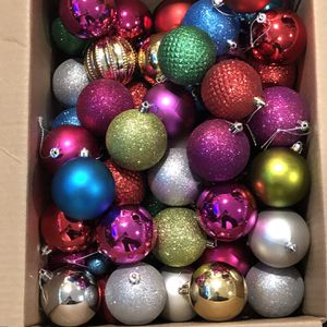 Free Christmas Tree Ornaments for Sale in Renton, WA
