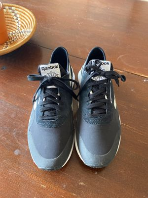 Reebok size 10 womens for Sale in Tualatin, OR