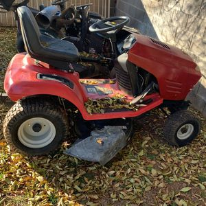 Lawn Tractor for Sale in Gilbert, AZ
