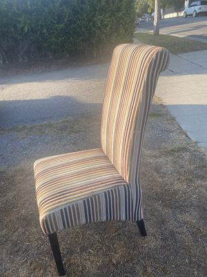 Like new condition modern guest chair for Sale in Los Angeles, CA