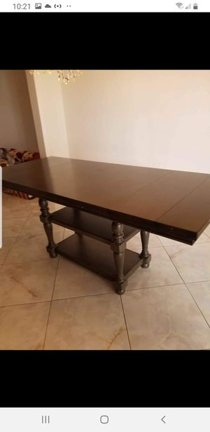 Dining room table for Sale in Queens, NY