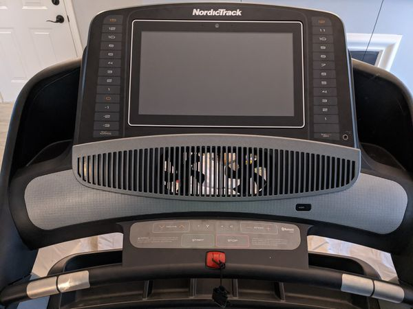 Nordictrack Treadmill Commercial 2450 (includes delivery)