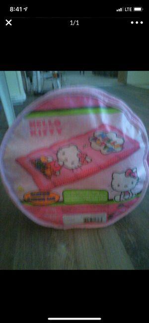 Girls hello kitty sleeping bag for Sale in Auburn, WA