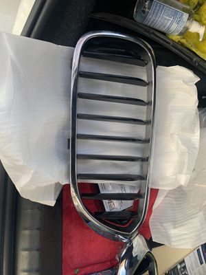 OEM Kidney Grills for BMW G30 2017-2019 - 5 series for Sale in New York, NY