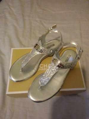 MICHAEL KORS silver sandles ( brand new) for Sale in Auburndale, FL