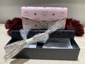 Patricia Visetos Large Chain Wallet for Sale in Atlanta, GA