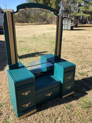 Antique vanity for Sale in Washington, NC