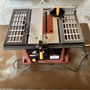 "10"" 15 AMP Benchtop Table Saw for Sale in Las Vegas, NV"