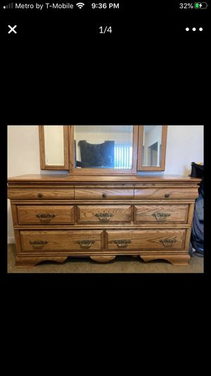Oak Bed Room Furniture for Sale in Bakersfield, CA