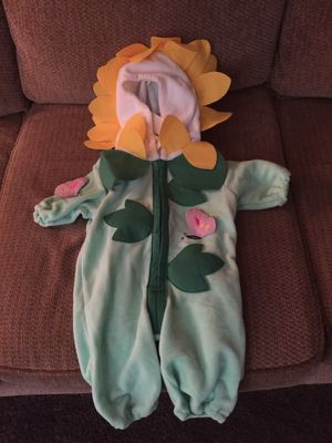 Brand New! Adorable Sunflower Costume!🌻🎃🌻 for Sale in Philadelphia, PA