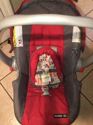 Car seat (comes with base) for Sale in Lakeland, FL