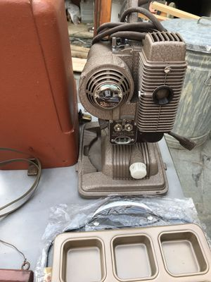 vintage 8 mm projector for Sale in Longbranch, WA