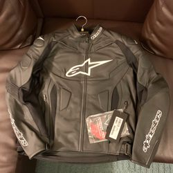 Alpinestars GP+R V2 Leather Jacket - Size 46/56 & 48/58 Available for Sale in El Monte,  CA