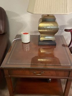 2 Mahogany End Tables for Sale in Bothell,  WA