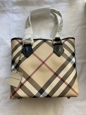 Authentic Burberry tote bag/ bucket bag for Sale in Castro Valley, CA