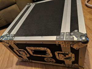 Road case by road runner for Sale in Binghamton, NY