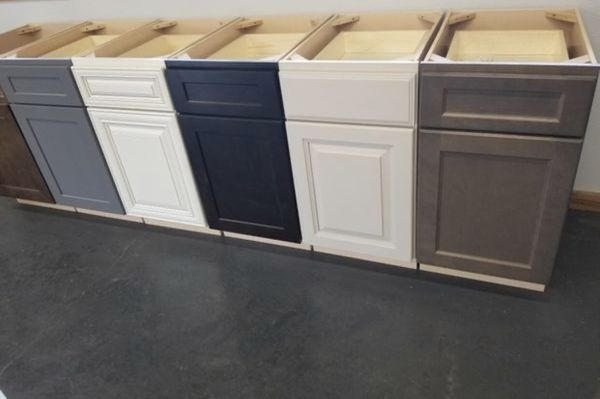 New White Shaker Kitchen Cabinets (RTA) for Sale in Tacoma ...