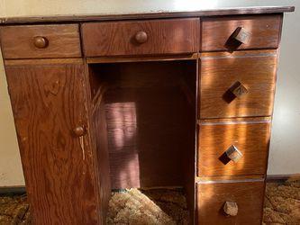 PENDING Little Desk for Sale in Clackamas,  OR