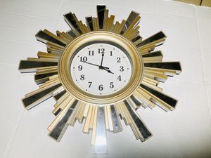 Sun burst Mirror Clock * Pick up or shipped for Sale in Mobile, AZ