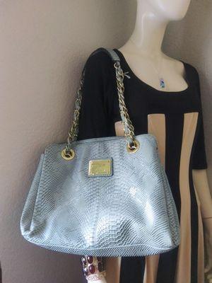 Nicole woman purse for Sale in Tacoma, WA