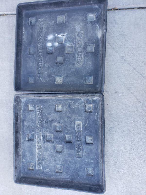 Tools trays