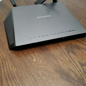 Netgear nighthawk Ac 1900 Smart Wifi Router for Sale in Folsom, CA