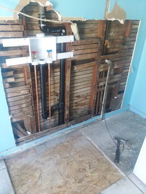 Kitchen and bathroom remodeling for Sale in Los Angeles, CA