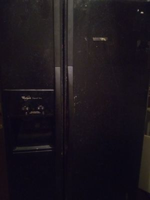 Whirlpool refrigerator for Sale in Houston, TX