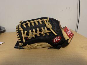 Rawlings baseball glove left hand for Sale in Lawrenceville, GA