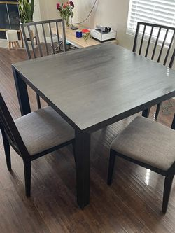 Dinner Table for Sale in Trabuco Canyon,  CA
