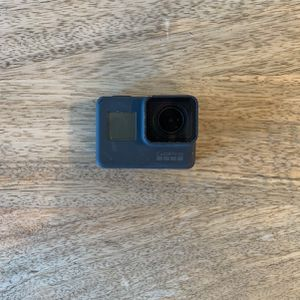 GoPro Hero Five Perfect Condition for Sale in Laguna Beach, CA